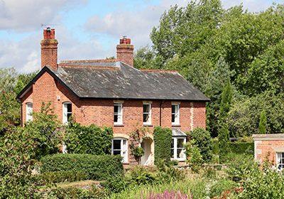 rural-cottage-400x300